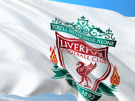 AXA partenaire officiel du Club de Football de Liverpool