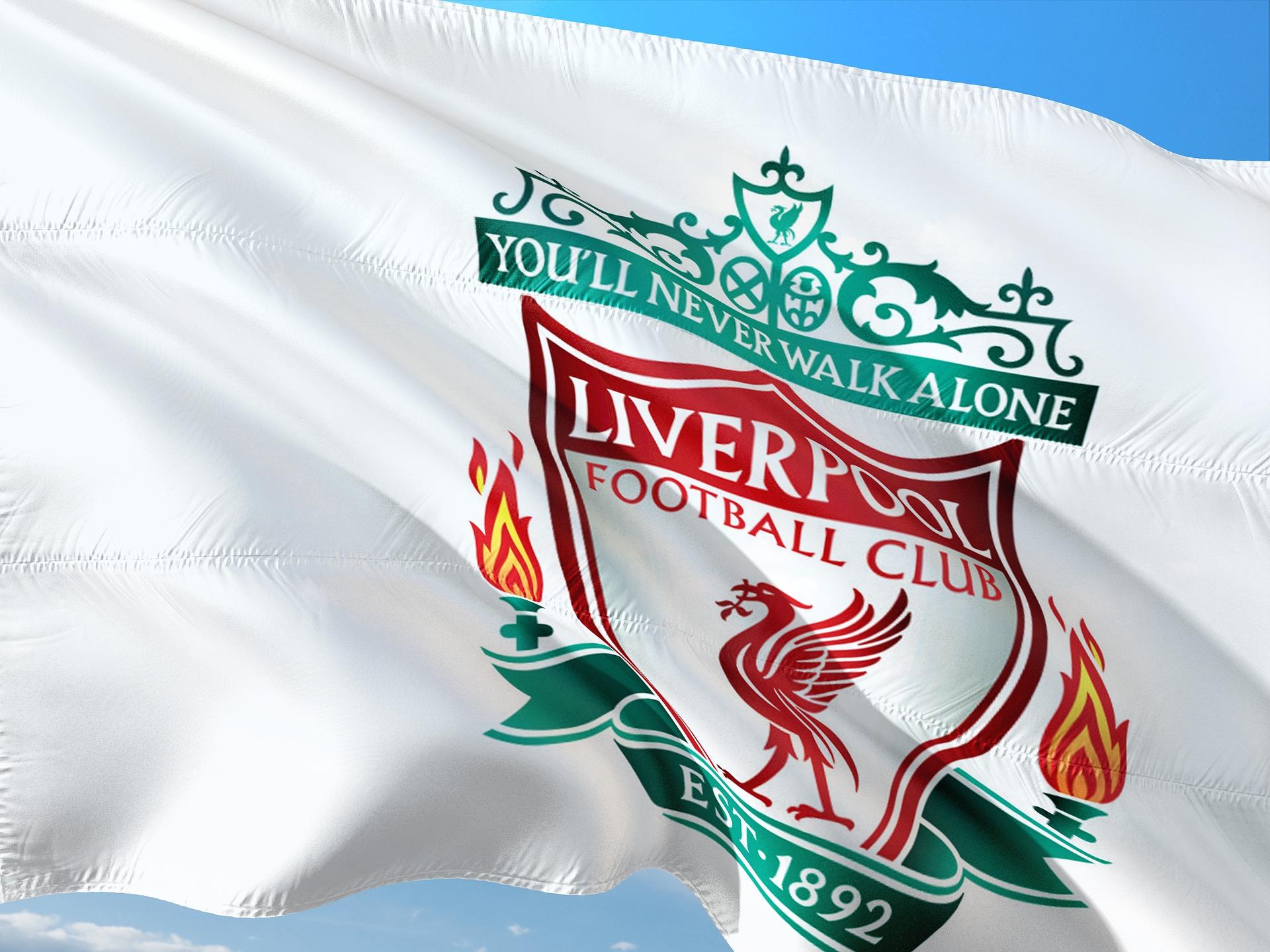 AXA partenaire officiel du Club de Football de Liverpool