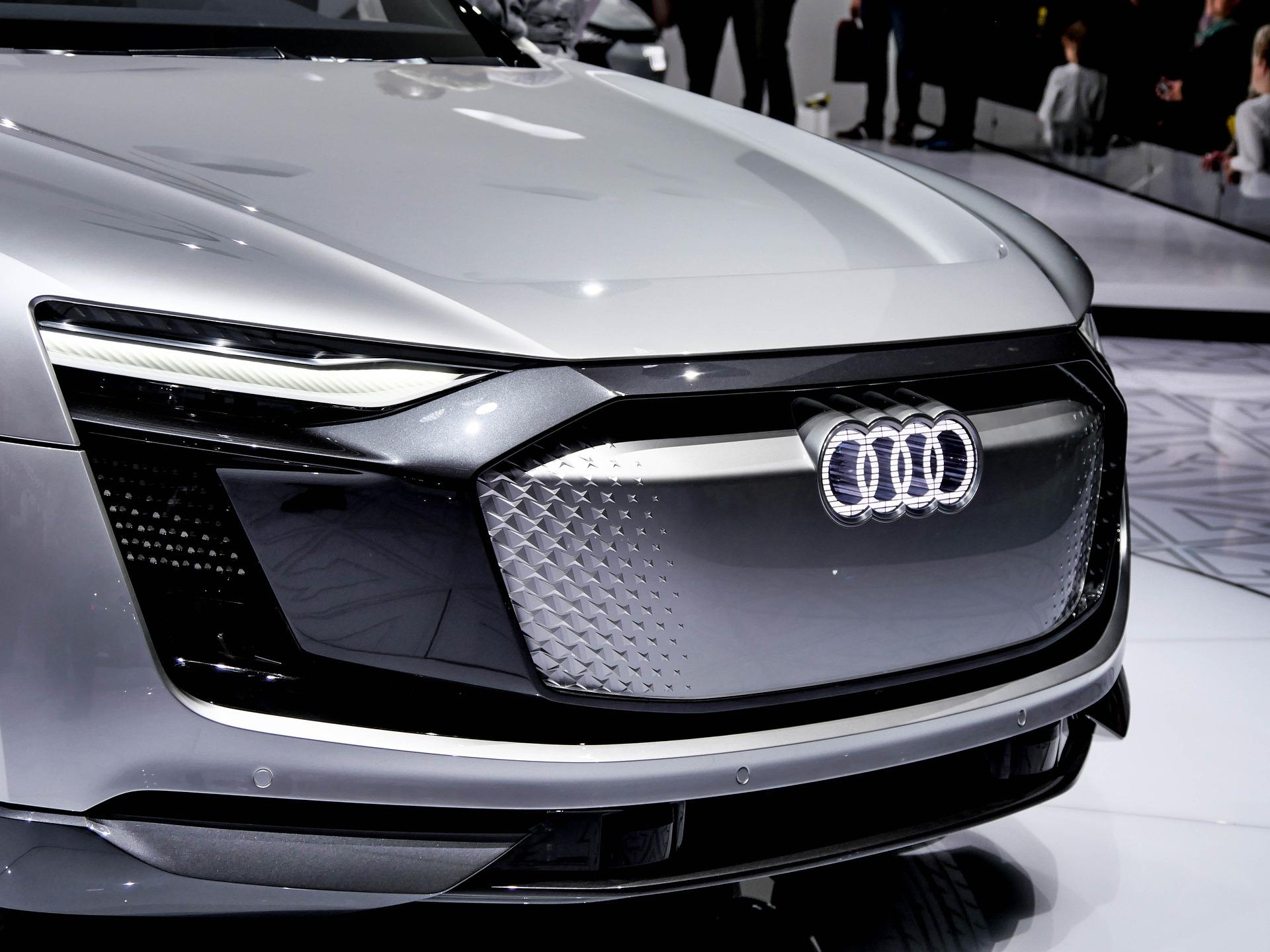 Présentation du modèle présenté au Salon de Genève 2019, l'Audi Q4 e-tron Concept