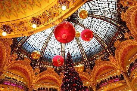 Vos achats de Noël se trouvent dans les Galeries Lafayette!