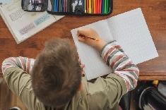 Confinement: comment organiser l'école à la maison?