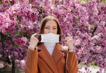 Conseils pour distinguer l'allergie au pollen du covid-19