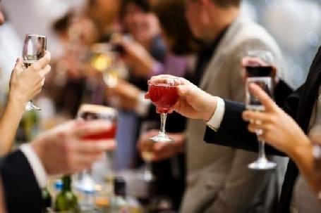 LES FRANÇAIS BOIVENT DE MOINS EN MOINS D ALCOOL