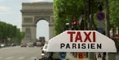 Manifestation des taxis parisiens pour une possible mise en place d'un forfait entre les aéroports et Paris