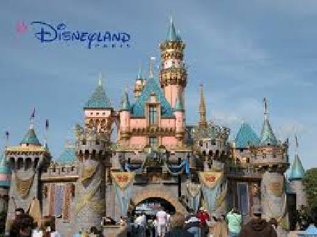 Disneyland Paris accusé de varier ses tarifs en fonction du pays des visiteurs