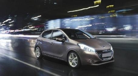 PSA Peugeot Citroën promet des véhicules autonomes à partir de 2020.