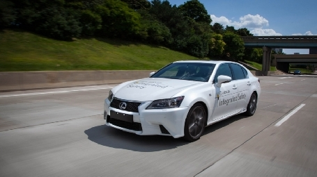 Toyota présente sa voiture autonome
