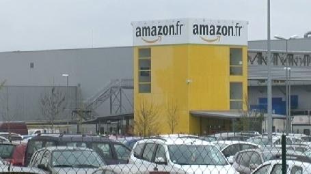 Grêve au centre de logistique du géant américain Amazon à Saran