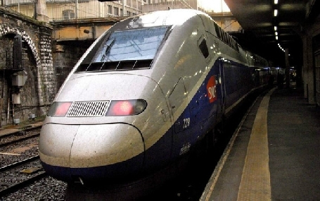 La SNCF prévoit de supprimer environ 1400 postes de travail l'année prochaine