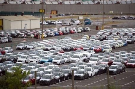 Suite à la fermeture de l'usine PSA d'Aulnay, les ex-salariés ont obtenu gain de cause