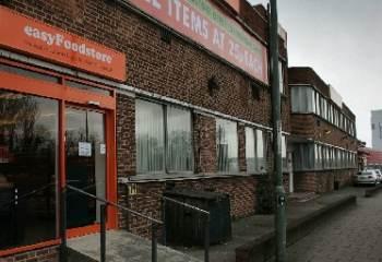 Easyjet ouvre un magasin dans le nord-ouest de Londres où tout est à 33 centimes