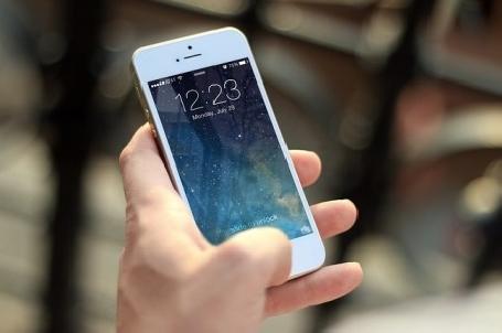 Relations tendues entre Apple, Google et la justice française