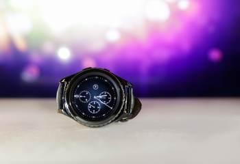 Samsung dépose le brevet d'une montre connectée permettant d'afficher un écran virtuel sur la peau