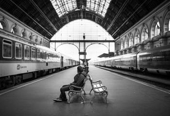 La RATP réaménage ses espaces gare au grand damne des associations d'aide aux SDF