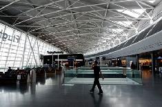 EasyJet : un couple obligé de descendre de l'avion loupe leurs vacances