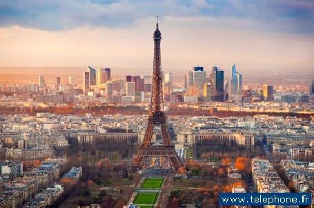 La tour Eiffel hisse la grand voile
